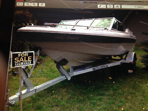 17 ft bow rider in very good condition, comes with trailer