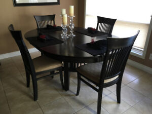 Solid Wood Dining Table with 6 upholstered chairs