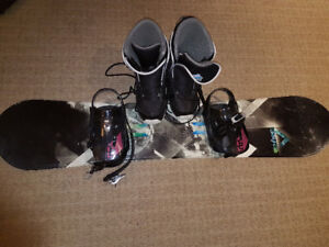 Mens FireFly snowboard set used, but in good condition!