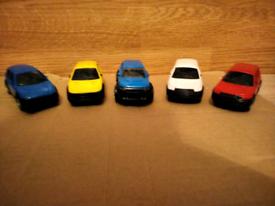5 plastic salon cars