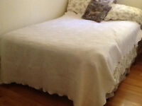 MARTHA STEWART WHITE TWIN SPREAD  scalloped edge.  80% cotton,