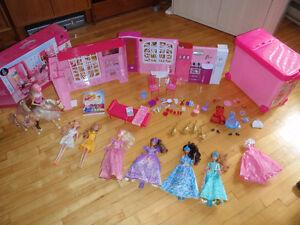 Barbie - 7 poupées + coffret + maison + cheval + DVD + CD West Island Greater Montréal image 1