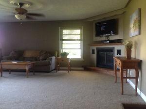 2 bedroom Sandbanks beach house available monthly for offseason Belleville Belleville Area image 9