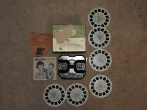 Vintage Viewmaster With 6 Reels / Box