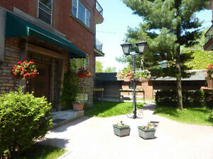 NDG,Beautiful Large 4-1/2, Monkland- West of Cavendish (H4B1J8)