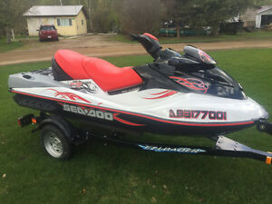 Seadoo Wake Pro 215 HP with 39 hrs and new trailer