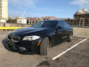 Mint condition 2012 BMW M5 - Low Kms - Extended BMW Warranty