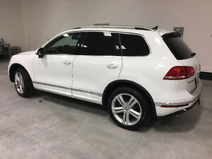 2015 Volkswagen Touareg R-Line fully Loaded