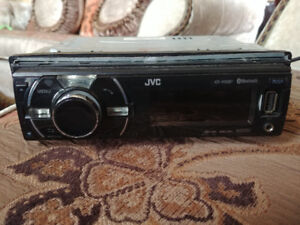 JVC RECEIVER WITH BLUETOOTH AUX USB