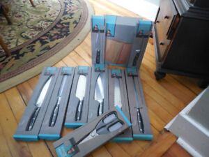 jamie oliver knife set and scissors and cutting board 250 obo