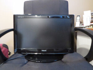 19 inch LCD with remote