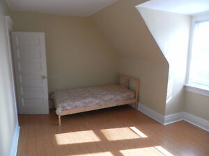 Room for rent from April 1 St.Clair - Lansdowne Ave