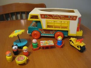 VINTAGE FISHER PRICE LITTLE PEOPLE CAMPER