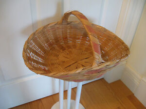 OLD VINTAGE SQUATTY-SHAPED TWO-TONED WOVEN BASKET