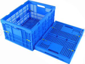 Collapsible stacking totes