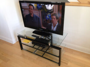 """Televiseur 42"""" & 32"""" avec meuble-Televions 42"""" &32"""" with Stand"""
