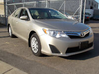 2014 Toyota Camry LE  (56060 KM ) / AIR / CRUISE / CAMERA / BLUE