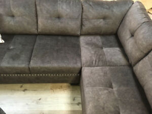 Sofa Sets/ Sectionals