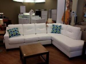 *** NEW *** ASHLEY KIRWIN WHITE SECTIONAL   S/N:51287289   #STORE915