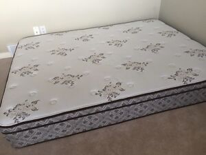 Like new queen size mattress
