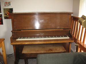 Piano - Emerson