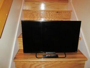 """Téléviseur HD Sony BRAVIA de 32"""" / KDL-32W650A / SMART"""