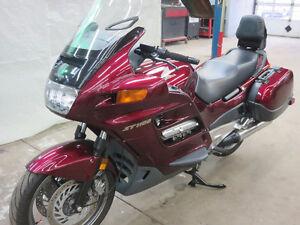 MOTO HONDA ST 1100