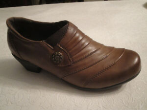 SIZE 39 VOLKS WALKERS LEATHER SHOES - SO COMFORTABLE, BRAND NEW!