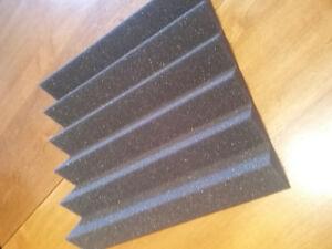 24 mousses acoustique neuf / 24 wedge foam panels NEW