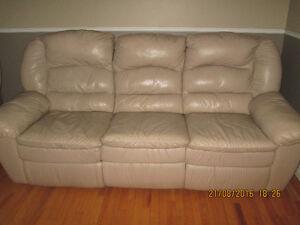 divan de cuir élerant