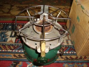 VINTAGE COLEMAN 500A SINGLE BURNER CAMP STOVE