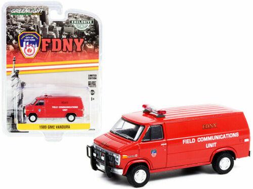 Greenlight 1/64 FDNY New York City Fire 1989 GMC Vandura Communications 30277