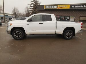 2014 Toyota Tundra SR5 5.7L V8 Double Cab 4WD Peterborough Peterborough Area image 3