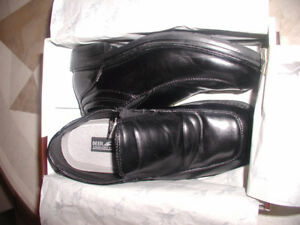 Boys Dressy Shoes, Black, size 4
