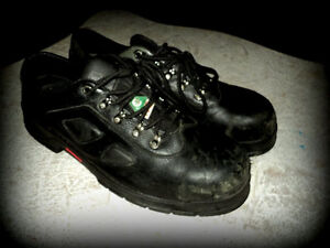 SIZE 15 W MEN'S SAE SAFETY SHOE