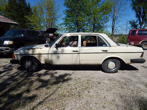1982 Mercedes wagon no eng/trans  DIESEL