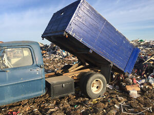 1968 Ford F-350 Box / hoist Pickup Truck