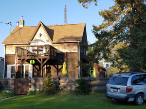 Charm, Comfort, Peace: Manitoulin Is. Providence Bay Cottage