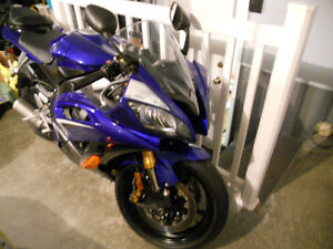 2009 MINT Yamaha r6 Sport bike **REDUCED