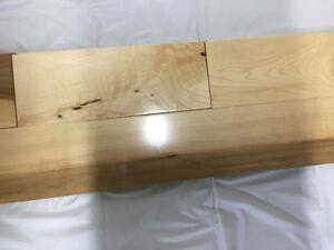 Plancher Érable Colonial semi-Lustre 60 Pied 4$/PC