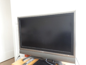"Flatscreen TV 37"" [Aquos Sharp]"