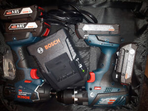 New Bosch hammer drill combo with two extra Batteries