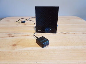 Great Condition ASUS RT-N56U Router 5ghz/2.4ghz combo