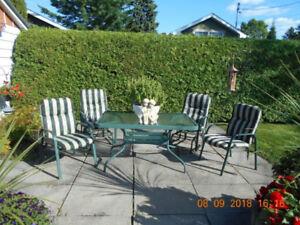 Mobilier de jardin 5 pièces ** Vente de déménagement