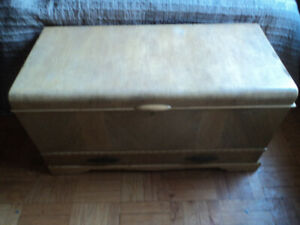Vintage art deco storage trunk