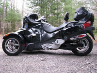 wanted harley davidson motorcycle sitting in barn running or not