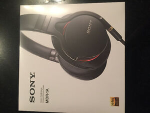 UNOPENED PERFECT CHRISTMAS GIFT - SONY MDR-1A headphones