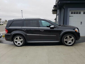 2010 Mercedes-Benz GL550 4matic...Mint condition..