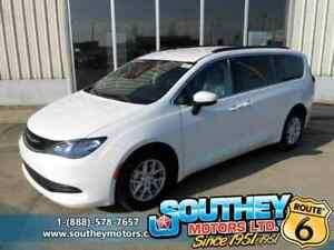 2017 Chrysler Pacifica LX - Only 9,000 km's