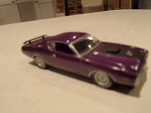 Loose Greenlight  '71 DODGE CHARGER SUPER BEE STOCK & CUSTOM Sarnia Sarnia Area image 9
